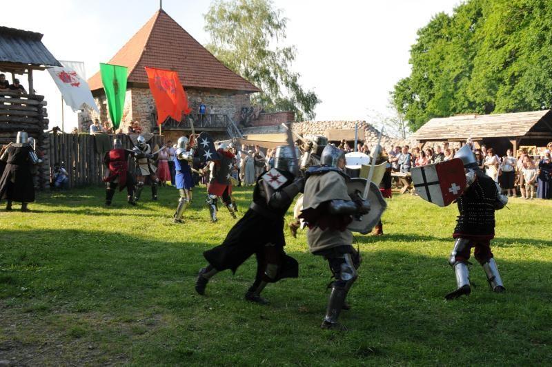 Savaitgalis: Viduramžių šventė Trakų pusiasalio pilyje