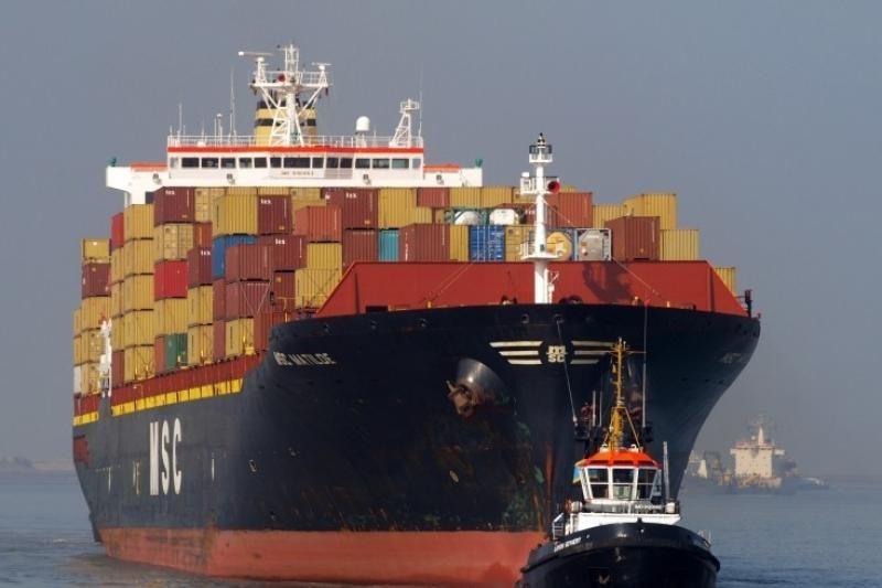 Į Klaipėdos uostą atplaukė laivas gigantas (papildyta)