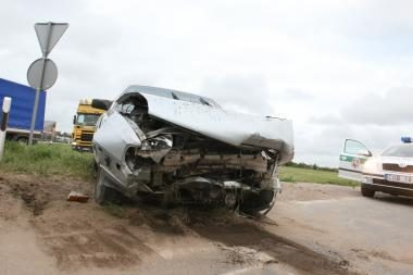 Pirmadienio naktį per eismo įvykius žuvo trys žmonės