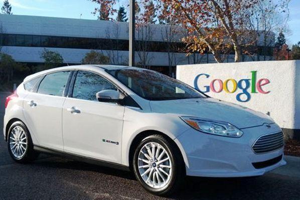 """Pirmasis 2012 metų elektrinio """"Ford Focus"""" modelis teko """"Google"""""""