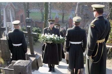 Antakalnio ir Rasų kapinėse pagerbti laisvės gynėjai