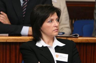Klaipėdos savivaldybės tarnautoja nori sugrįžti į darbą