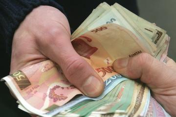Klaipėdietė sukčiui atidavė beveik 8 tūkst. litų