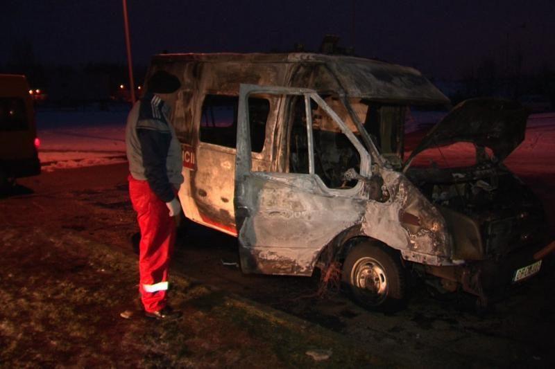 Palangoje sudegė greitosios pagalbos automobilis (papildyta foto)