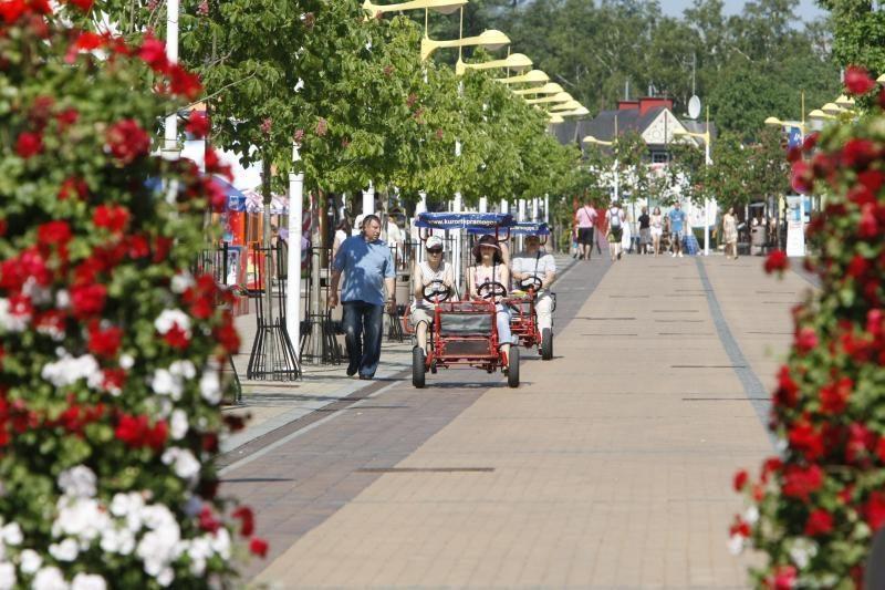 Palangos J.Basanavičiaus gatvėje - tūkstančio stalų šventė