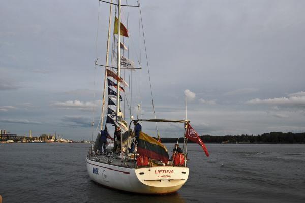 """Jachta """"Lietuva"""" parplaukė į Klaipėdą (papildyta)"""