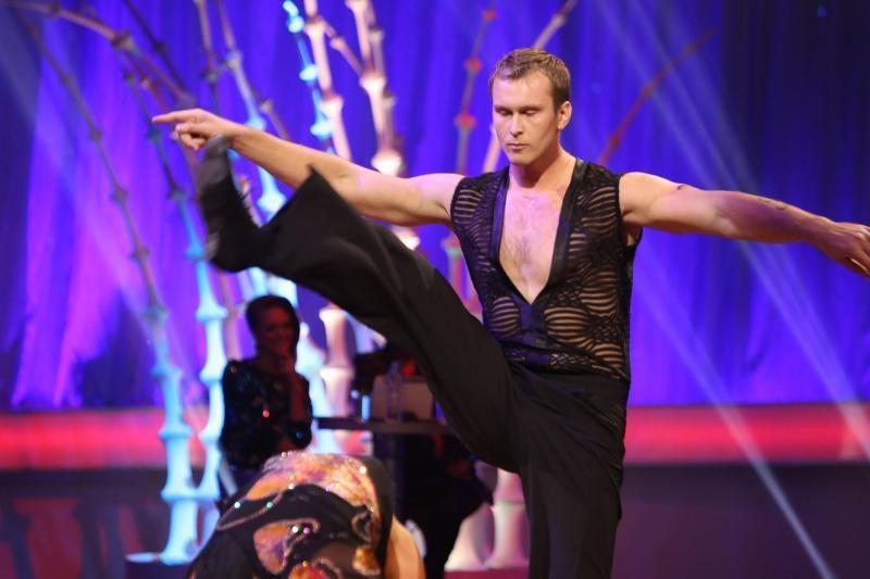 Gražuolis irkluotojas J. Šuklinas  kauniečius   mokys  šokti