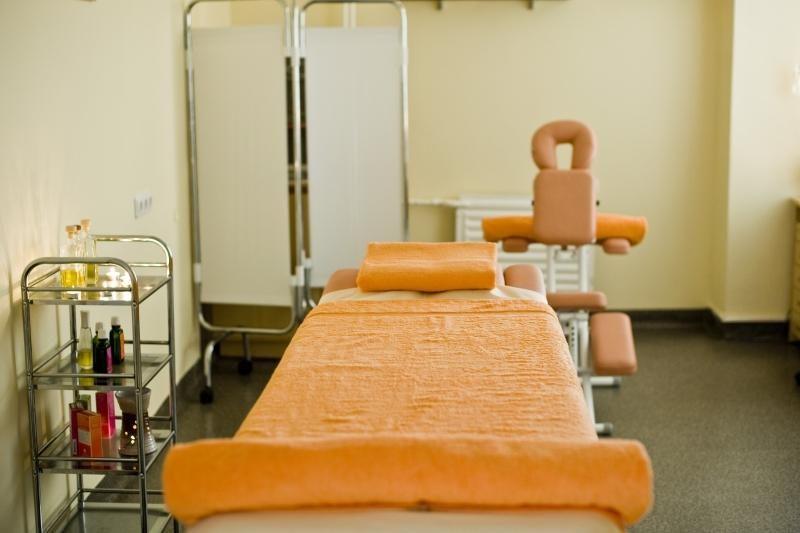 Vietoj kurorto – į Šilainių polikliniką pasilepinti masažais