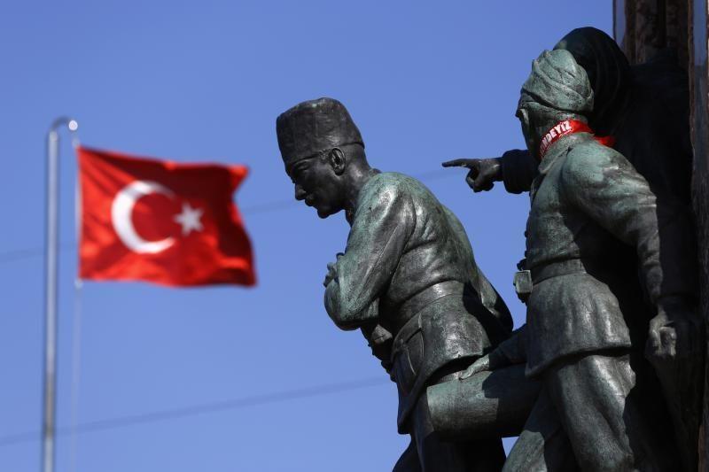 Protestus Turkijoje išprovokavusios statybos pripažintos neteisėtomis
