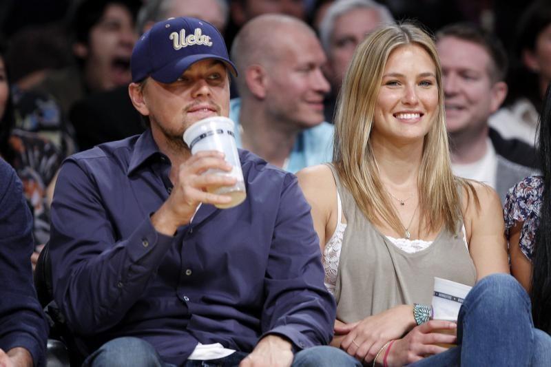 Holivudo žvaigždė DiCaprio - prieš prekybą ryklių pelekais