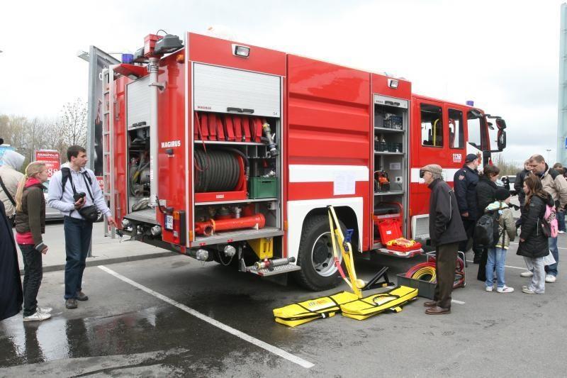 Ugniagesiai gelbėtojai minės savo profesinę šventę