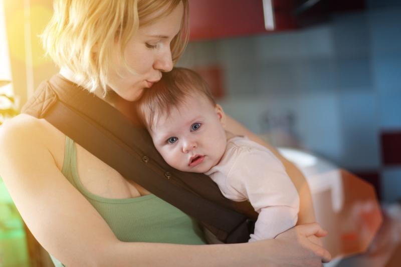 Draudžiamųjų pajamų gavę asmenys turėjo teisę į motinystės pašalpą