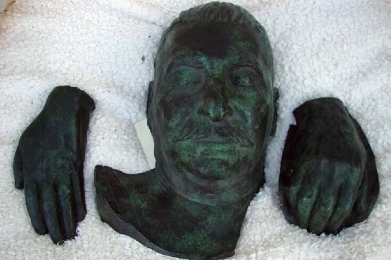 Pomirtinė Stalino kaukė parduota už 3600 svarų sterlingų