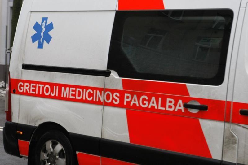 Sostinėje  automobilis rėžėsi į piceriją, vairuotojas išvežtas į ligoninę