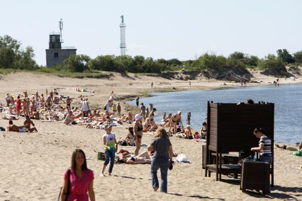 Tualetus paplūdimyje atstoja kopos