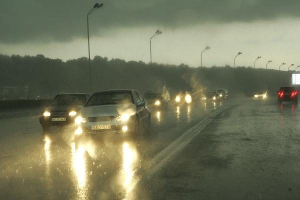Savaitgalio orai: lietų keis šlapdriba