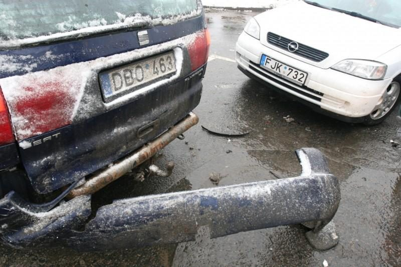 """Vilniuje per avariją šalia """"Akropolio"""" nukentėjo du vaikai"""
