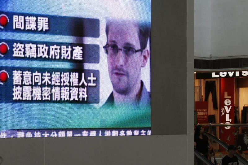 E. Snowdenas neatmeta galimybės prašyti Rusijos pilietybės