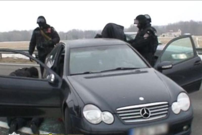 Tą patį automobilį naudojo narkotikų gabenimui ir degalų vagystėms