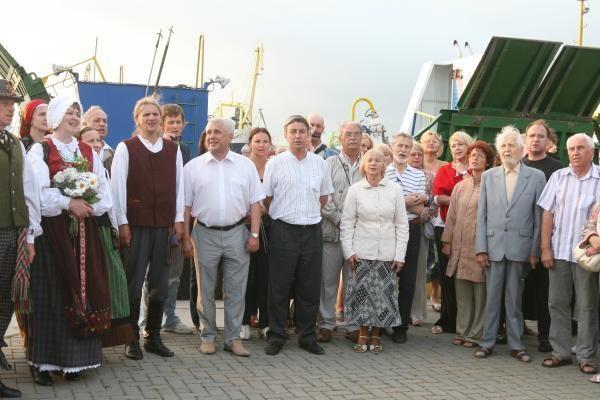 Kruizinių laivų terminale klaipėdiečiai giedojo himną