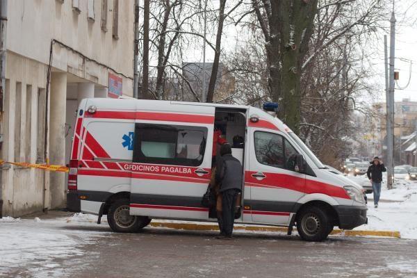 Vilniuje užsimušė iš ketvirto aukšto iškritusi trimetė