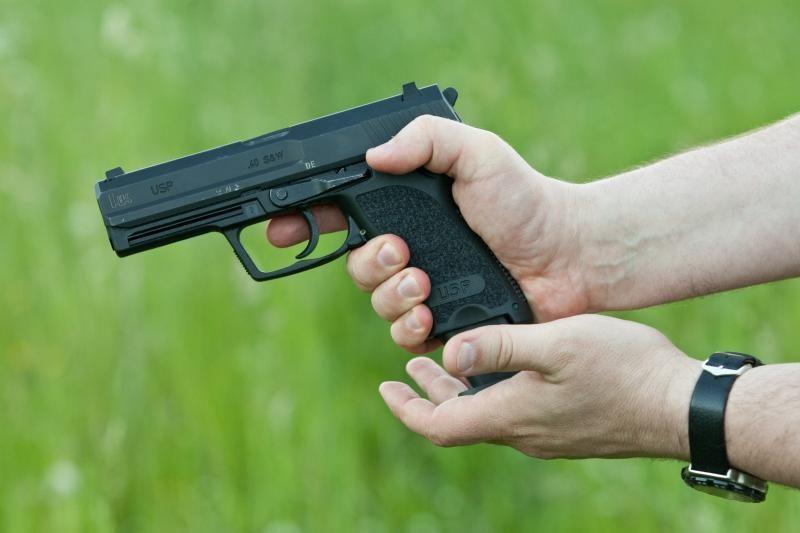 Telšiškis teismo verdikto išklausyti atėjo ginkluotas