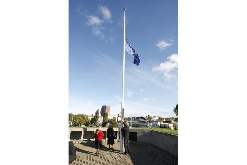 """Piliavietėje suplevėsavo """"Europos paveldo dienų"""" vėliava"""