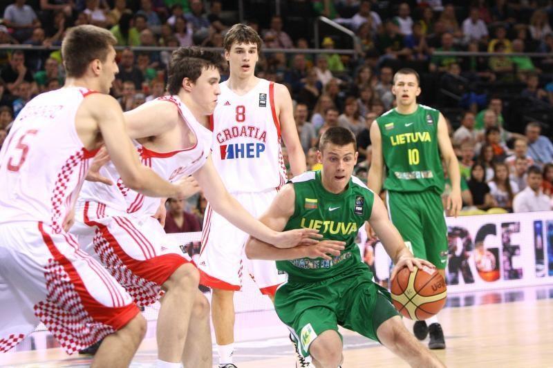 17-mečių krepšinio čempionate lietuviai pralaimėjo grupės lyderiams