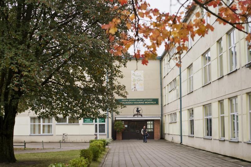 """""""Vyturio"""" mokyklą išgąsdino grėsmingos ligos šmėkla"""