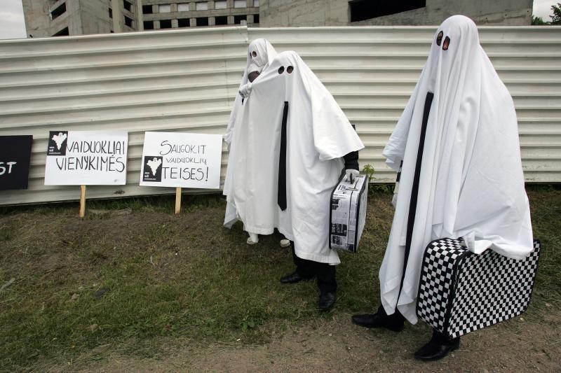 """Prie apleisto viešbučio – """"vaiduoklių"""" protestas"""
