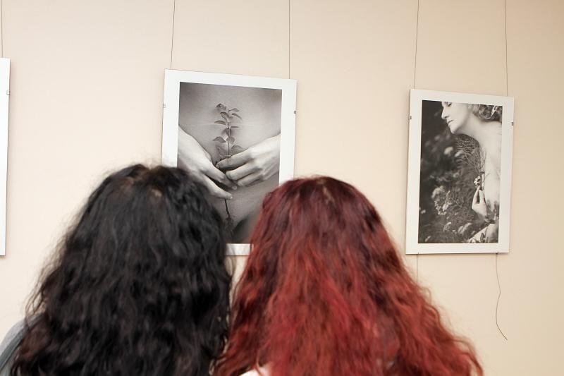"""Fotografės """"Ryto pašnekesiai"""" uostamiesčio Meno bibliotekoje"""