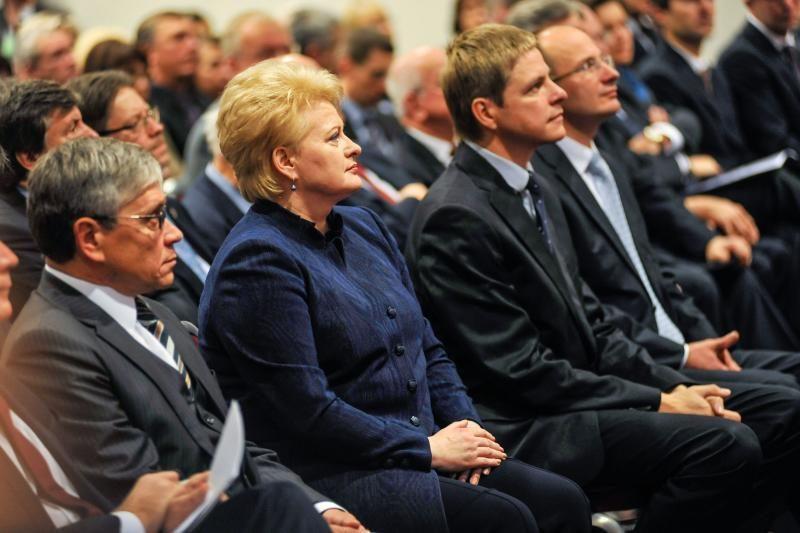 Prezidentė linki, kad teismai įgytų daugiau žmonių pagarbos
