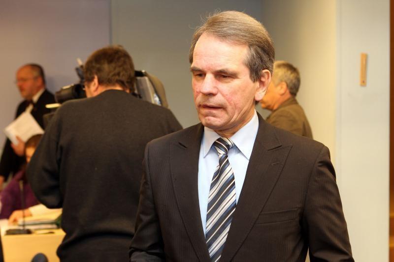 """Laikinoji """"Snoro"""" komisija apklaus krūvą pareigūnų"""
