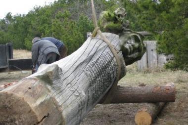 Atnaujinama L.Rėzos skulptūra