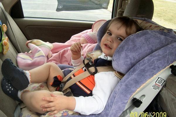 Kaip pasirinkti tinkamą automobilį kelionėms su vaikais?