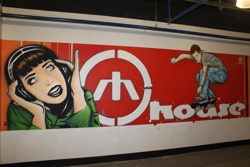 Prekybos centro sienas išmargino žymus grafičių specialistas