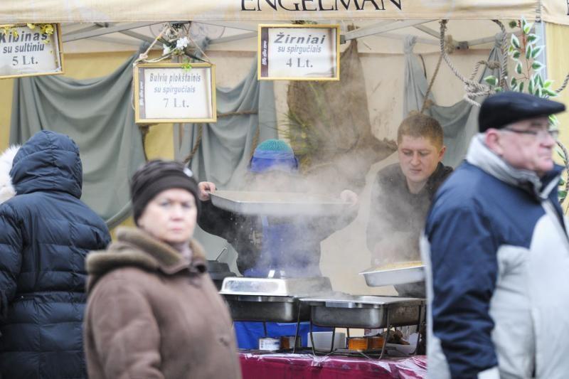 Pirmą Kaziuko mugės dieną populiariausi meduoliai ir mėsos gaminiai