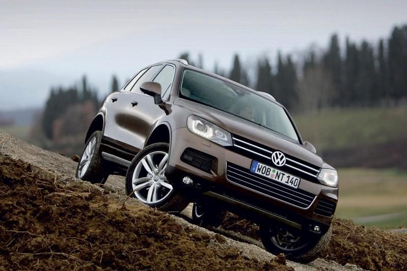 Hibridiniai automobiliai: lietuvių norus nustelbia kaina