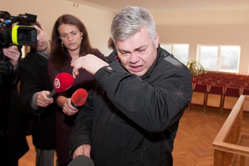 Tris medikus pražudęs S.Šostakas turės sumokėti pusę milijono litų