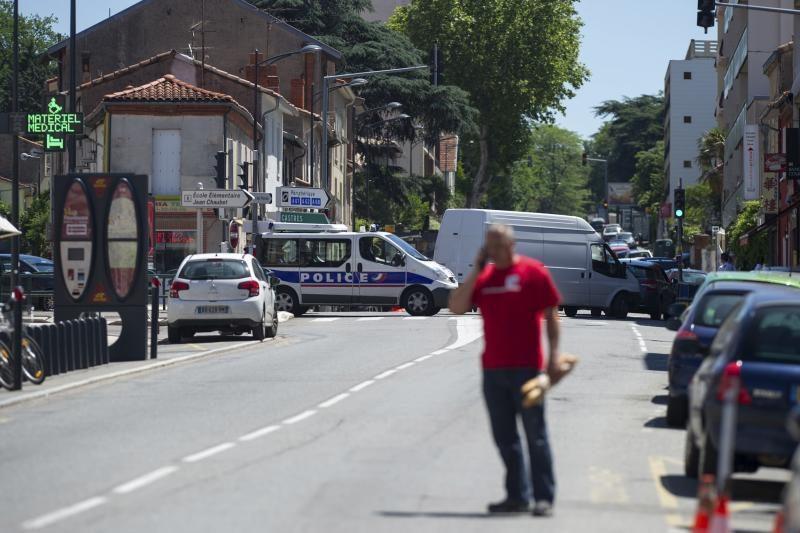 """Prancūzų policija suėmė įkaitus banke paėmusį """"al Qaeda"""" kovotoją"""