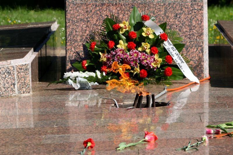 Pergalės dieną Kauno karių kapinėse atgijo amžinoji ugnis