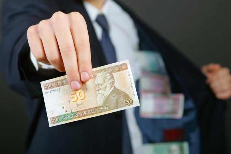 Pasinaudojusi kauniečiu bendrovė bandė nusukti 30 tūkst. litų mokesčių