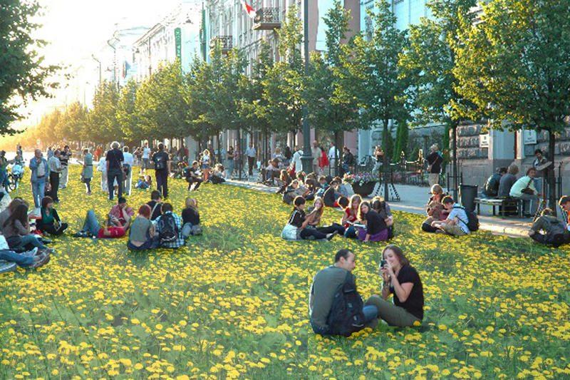 Savaitgalį sostinės gatvės taps improvizuotais parkais
