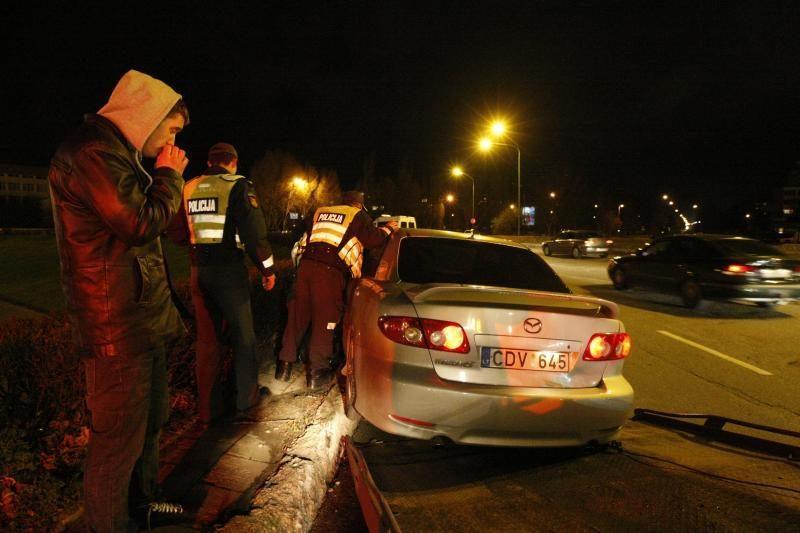 Klaipėdoje girtas vairuotojas sukėlė avariją