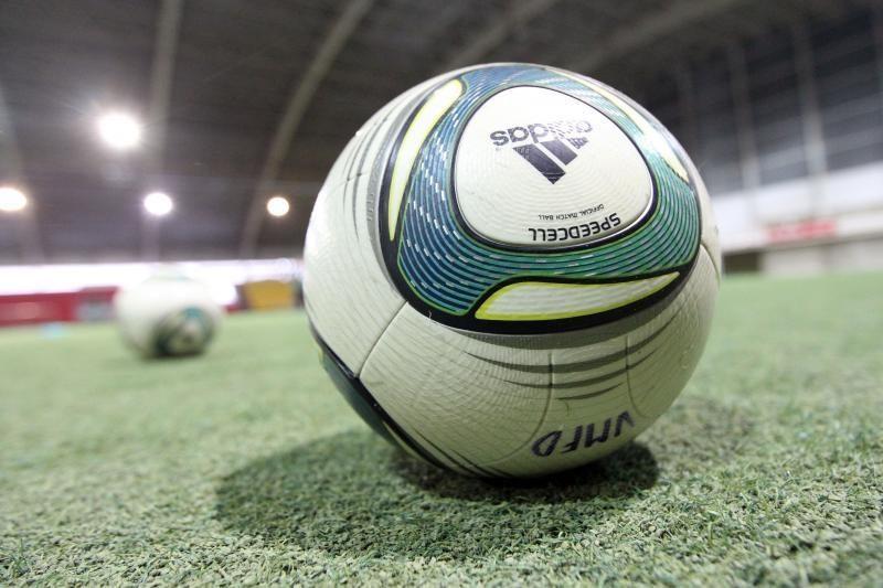 Lietuvos rinktinės FIFA reitinge ir toliau ritasi žemyn
