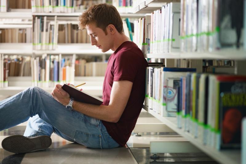 Tyrimas: daugiausiai studentai sukčiauja per egzaminus
