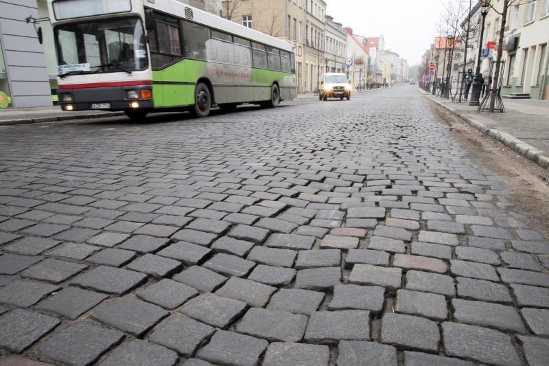 Už milijonus rekonstruotai Klaipėdos Tiltų gatvei prireikė remonto
