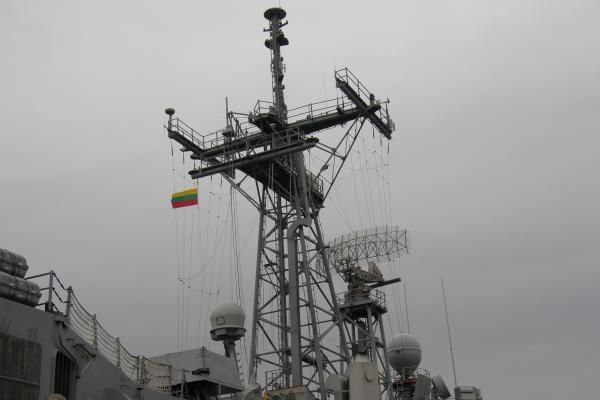 """Klaipėdoje prisišvartavo JAV kariškių laivas """"USS John L.Hall"""""""