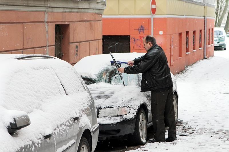 Orai Lietuvoje: snigs, kils trumpos pūgos