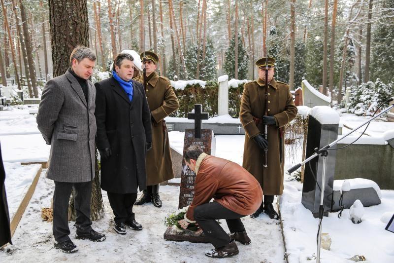 Petrašiūnų kapinėse įamžintas Lietuvos pirmojo premjero atminimas